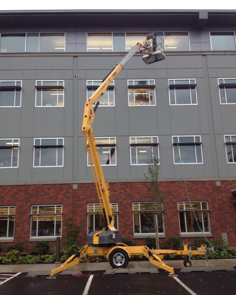 Window Cleaning Services : Eugene window cleaning cutting edge services